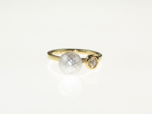 Een Schitterend Mooie Diamant en een Droom van een ZoetwaterParel