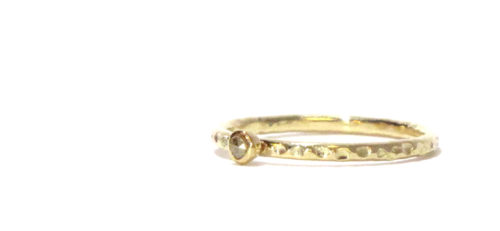 Een Lieflijke Ring met een Groots Karakter