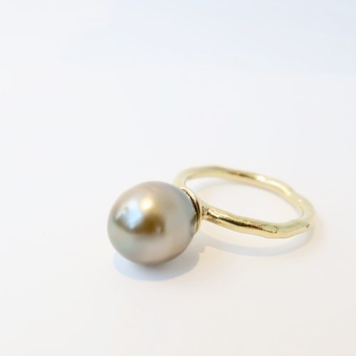 Gouden ring met TAHITI