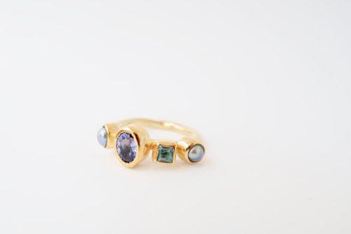 Een Weelderige Ring met een Pracht aan Tinten