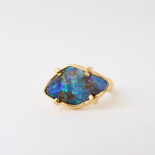 Opaal in Wonderlijk Mooie Tinten