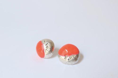 BUTTON oorstekers