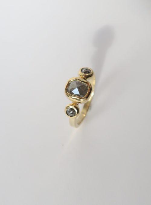 Een Ring met een Klassieke Sfeer
