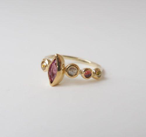 Roze Saffieren en Rosecut Diamanten