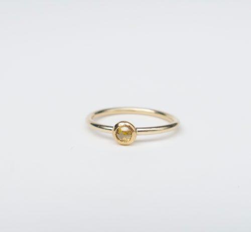 Intens Fonkelend Klein Geel Diamantje
