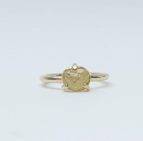 Een Gele Brok Diamant